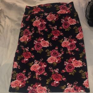 Htf rose print pencil skirt EEUC